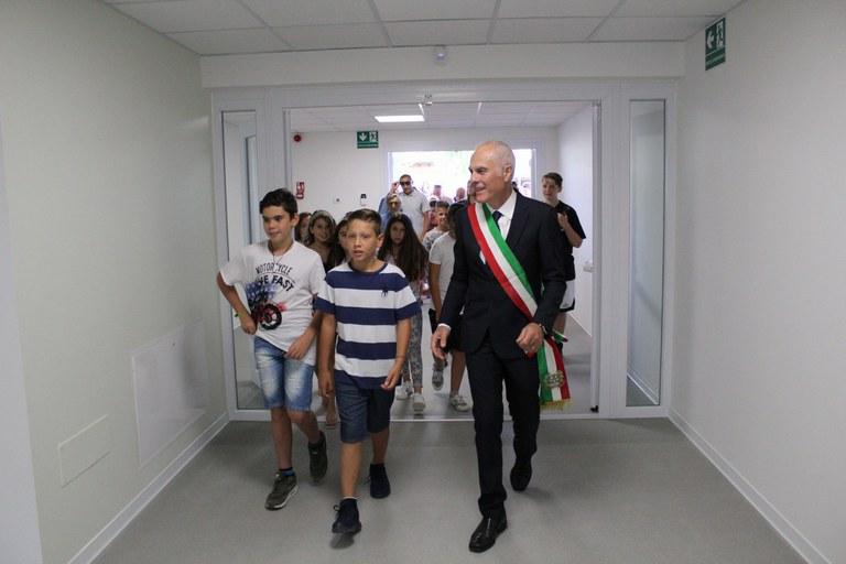 foto3_inaugurazione_scuola.jpeg